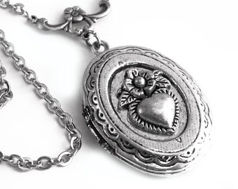 Oval Silver Locket Necklace - Secrets of the Heart