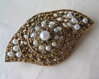 Eye Gold Pearl Brooch Filigree Vintage Pin
