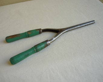 Antique Curling Iron, Vintage Hair Curler with green wood handles