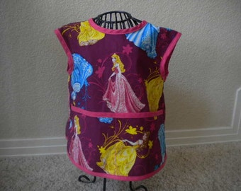 Adorable Princess Art Smock or Apron With Pink Bias Trim. Size 2t-3t