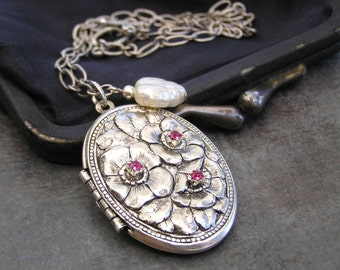 Antique Silver Locket, Oval Locket, Flower Locket