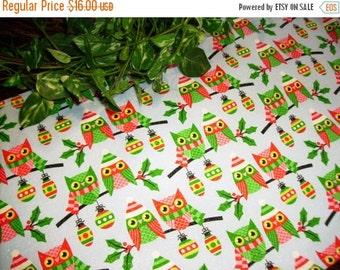 ON SALE Christmas Table Runner Owls Ornaments Padded