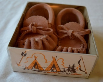 Vintage Adorable Pink Baby Moccasins by Laurentian Chief Made in Canada Infant Size 3 New in Box
