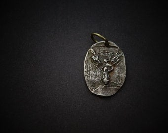 Guardian Angel Pendant soid bronze