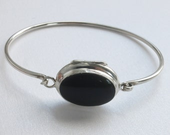 Onyx oval locket Bracelet Silver  with place for  Hidden photos