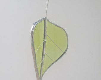 Green Aspen Leaf - Upcycled Stained Glass Suncatcher