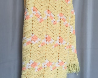 White Baby Blanket Vintage Crochet Knit Afghan Scalloped Edge Pastel Yellow Blue Pink Silver Handmade