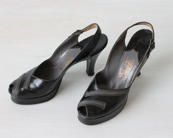 Vintage 1940s Shoes /  40s Black Leather Peep Toe High Heels Platform Pumps /  Size 7.5