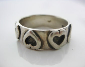 Size 7 3/4 Vintage Sterling Silver Heart Ring Band