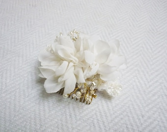 Magnolia flower hair comb, lace beading, bridal hair accessories, Ivory hair flower, rhinestone headpiece, wedding hair flower