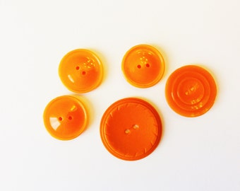 Vintage Orange Plastic and Celluloid Buttons - Set of 5 Medium to Large Size