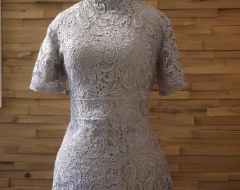 SALE Grey Vintage Lace Dress~Size Medium Dress Women~Romantic~Dress~Party Dress~Formal Dress~Fitted Dress~Pale Grey Dress~Dress with Sleeve