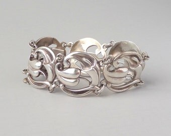 Scandinavian Sterling Bracelet. Art Nouveau Revival. Viking Craft. Cala Lily. 1940s