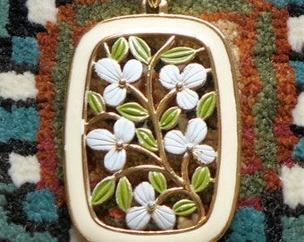 "Unsigned Flower Necklace Ivory Gold Leaf Green 22"" Chain Spring Summer Fun"
