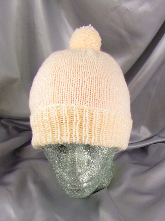 Simple Bobble Beanie CIRCULAR knitting pattern by madmonkeyknits