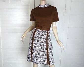 Mod Shift Dress in Brown & White- 1960s / 60s / 70s- Knee Length, Short Sleeves, Mock Turtleneck- Medium / Large