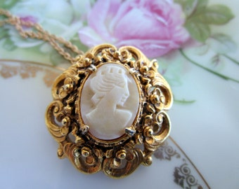 Vintage Florenza Signed Shell Cameo Necklace Brooch