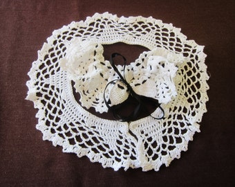 vintage hand made collars, vintage collar, hand made lace,  two, hand crocheted, 1940s 50s, vintage fashion, white collar, 40s accessory