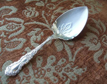 Gorham Imperial Chrysanthemum Silver Plate Pie Wedding Cake Server, Silver Plate, 1977-1991, Solid, Signed, No. 28