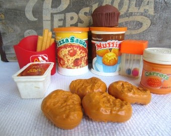 Vintage Fisher Price Fun With Food BBQ Sauce Muffins Pizza Sauce Chicken Nuggets