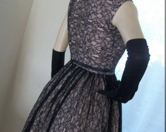 1940s Vintage Black Chantilly Lace Pink Taffeta Frock Size S Goth Divine