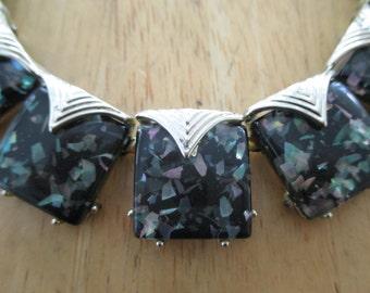 Vintage costume jewelry  /  thermoset necklace