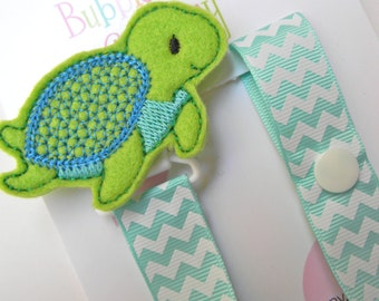 Sea Turtle Pacifier holder, turtle pacifier clip, turtle baby gift, binky clip, binky holder, baby shower gift, turtle paci clip