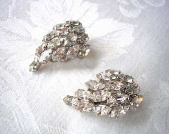 Vintage Rhinestone Earrings, CLIP ON Earrings , 1980s Jewelry, Vintage Accessories, Silver, Chunky Clips Ons, Crystal Bridal, Diamante
