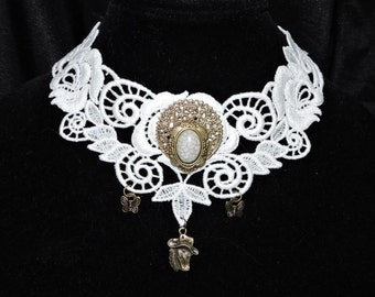 Choker in White Brass cab Horse Cowgirl Elegant Intricate Venise Victorian Wearable Art Necklace Casual EveningRunway