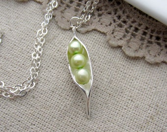 Three Peas In A Pod Necklace, 3 Pea Pod Necklace, Mother Necklace, Silver Pea Pod, Peapod Necklace, Pearl Pea Pod Jewelry Sweet Pea Necklace