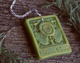 Aroma Ornament in Evergreen Orange scent. Life is Good. Beeswax decoration, naturally scented. Essential oil diffuser