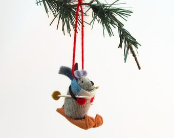 Christmas Mouse, Christmas ornament, hanging mouse,  waldorf mouse, mouse ornament, winter mouse, skiing mouse, skier gift