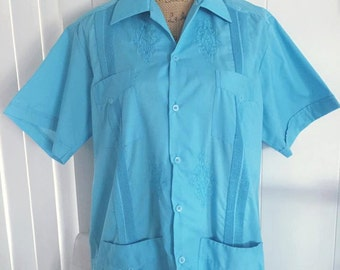 Vintage Men's Cubavera Shirt in Turquoise -- Size Large -- Retro