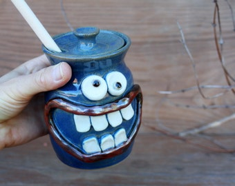Pottery Honey Jar. Big Smiley Face Portable Honey Pot. Blue Kitchenware. Stoneware Clay Honey Storage Crock Keeper. Kitchen. Wooden Dipper