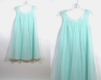 Vintage 50's Sea foam lingerie lace nightgown Lorraine Size S