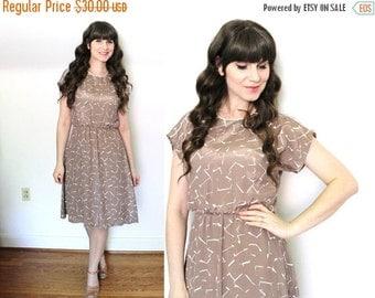 ON SALE Vintage Dress / 80s 1940s Style Tan Dress