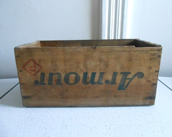 Antique/Vintage Armour's Star Corned Beef Wood Box/Primitive/Advertising Box