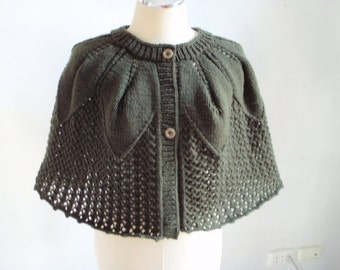 Knitting Dark Green capelet