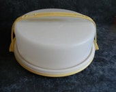 Vintage tupperware pie carrier taker farmhouse chic family reunion picnic