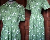 Size L Green Roses 1950s Shirt Dress