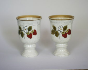 vintage strawberry footed mugs set of two made in japan