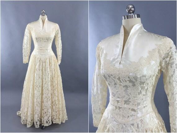 Vintage Ivory Wedding Dress 7