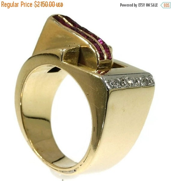 Summer Sale Vintage Retro Ruby Ring Diamond Yellow Gold 18kt Cocktail Ring 1940s ref.07155-0188