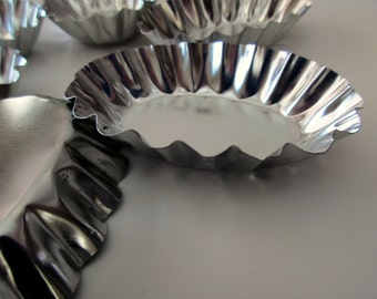 6 oval scalloped tart pans - candy mold pans, assemblage