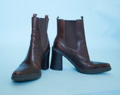 Vintage Womens Grunge Mia Chunky Heel Pointy Toe Cognac Chelsea Boots 8M
