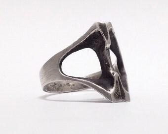 Industrial Bone Skull vertebrae ring.  Bone Mask Ring. Sterling silver.  Handmade