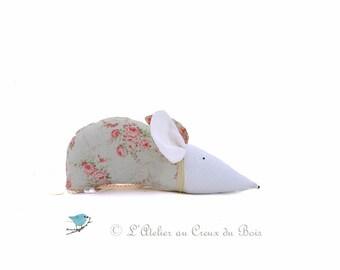 Shabby chic organic lavender sachet  home decor mouse shabby chic shabby roses shabby romantic Charlotte par L'Atelier Au Creux du Bois