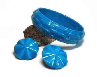 60s Mod Cyan Blue Bangle Bracelet & Pierced Earrings in Basket Weave and Ruffle Design - Vintage 60's Plastic Costume Jewelry Sets