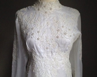 VALENTINES DAY SALE vintage 1970s wedding dress/ 70s wedding gown/ renaissance/ boho/ xs