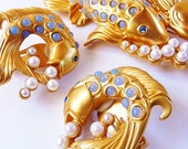 Liz Taylor AVON Sea Shimmer brooch pin and earrings RARE MIB